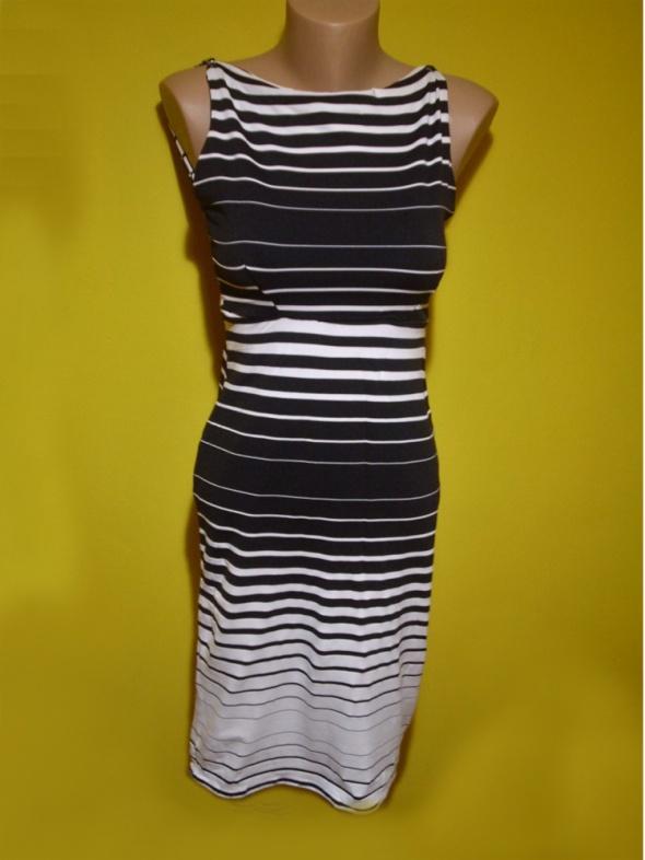 sukienka dopasowana w paski S M