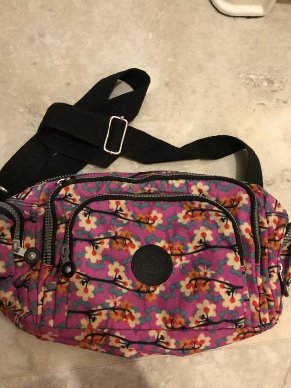 NOWA torebka z nadrukiem w kwiaty print kieszonki