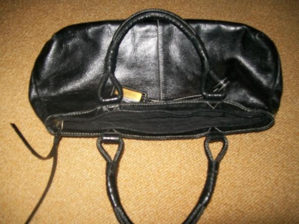 czarna torebka Jane Shilton