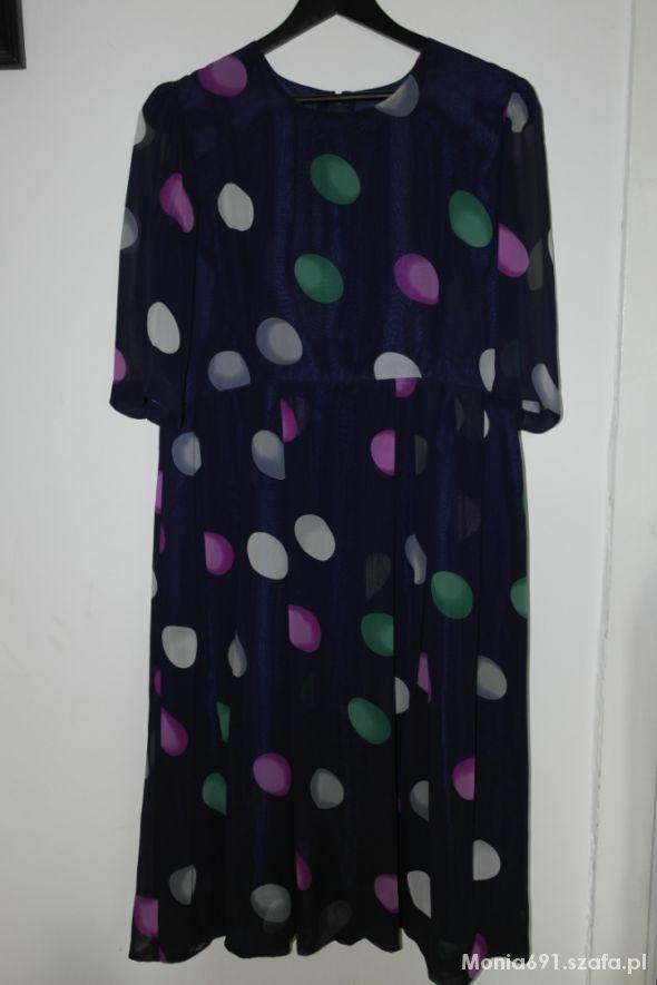 Maxi sukienka w kolorowe grochy 42