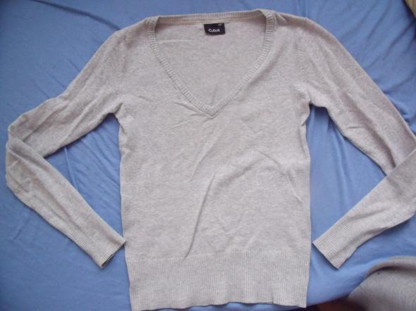 Szary sweterek Cubus