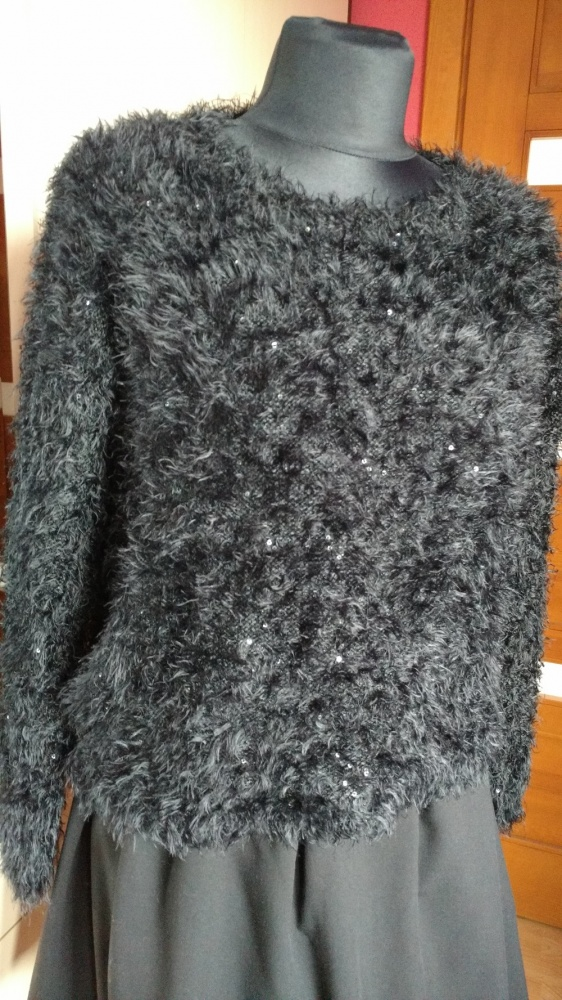 czarny miły w dotyku sweter