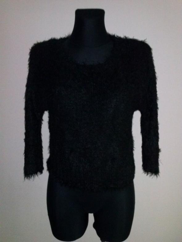 Czarny włochaty sweter New Look XS S