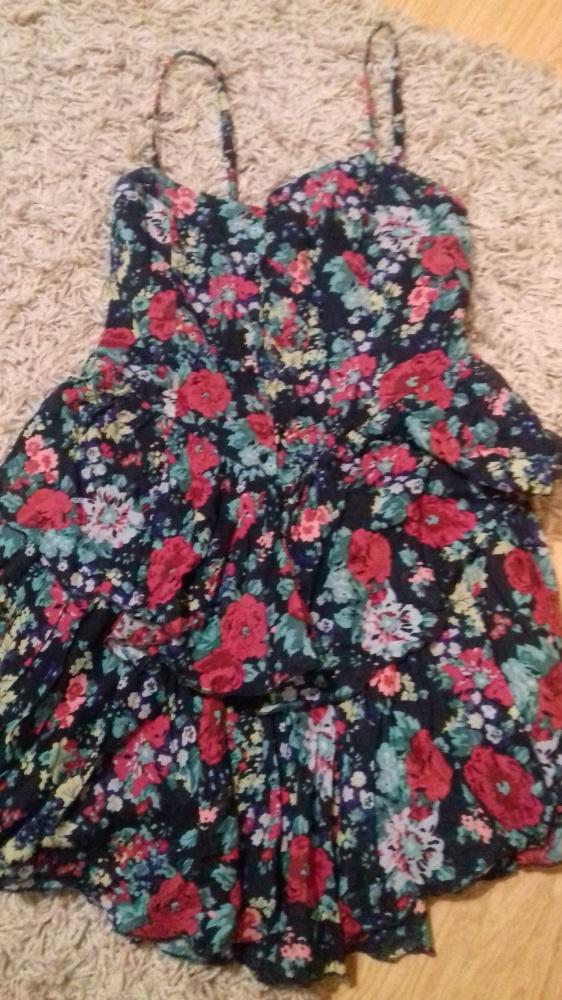 Falbankowa sukienka na lato w kwiatki rozm M cena z wysylka...
