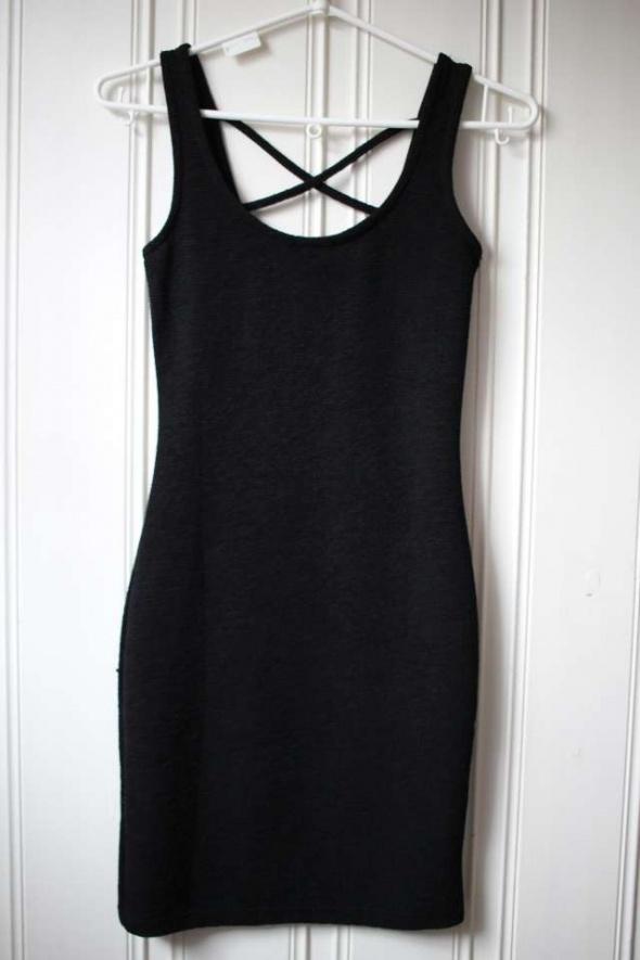 Czarna sukienka Terranova xs 34 bandażowa ołówkowa...