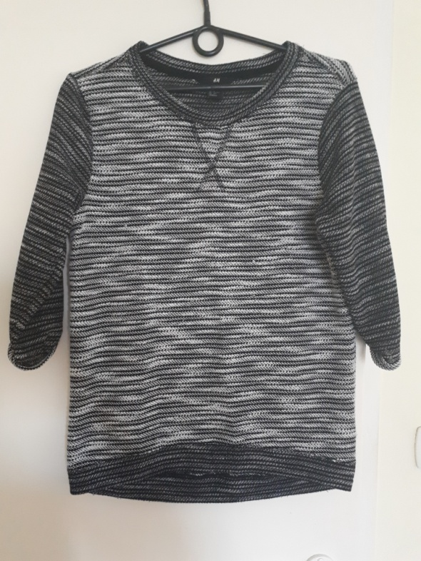 Szary sweterek H&M...