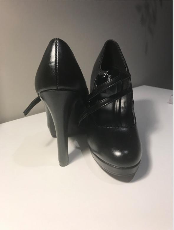 Buty szpilki czarne z paskami 36