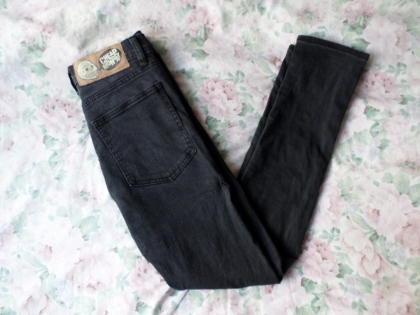 czarne jeansy cheap monday 26 30 XS...
