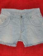 jeansowe szorty Emporio Armani...