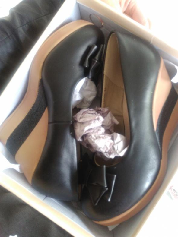 Czarne buty czółenka kokardki koturny