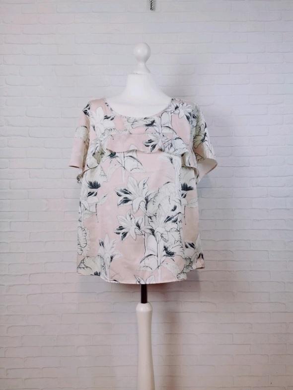 Bluzki 14 42 XL Saint Tropez Plus Size Pudrowy róż bluzeczka w kwiaty