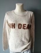 Fajny sweterek z napisem...
