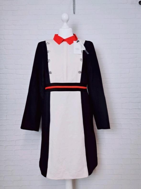 12 40 L Cubic Granatowa beżowa prosta sukienka czerwony kołnierzyk