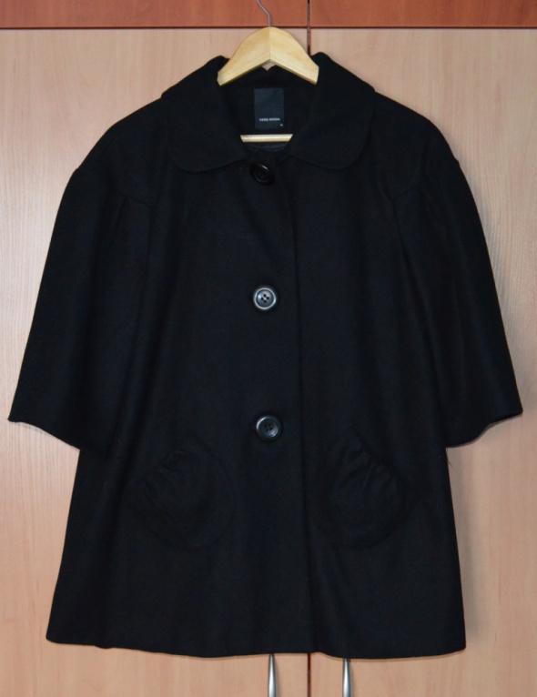 płaszcz z 3 4 rękawem...