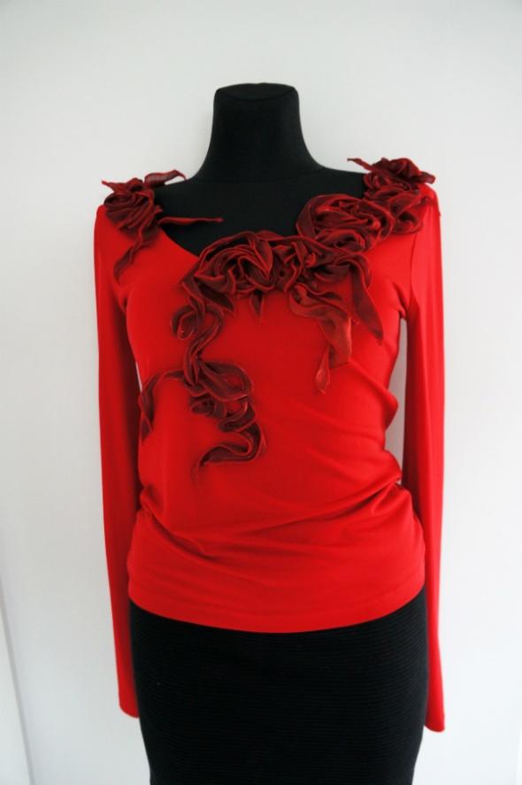 Oryginalna czerwona bluzka fantazyjne kwiaty...