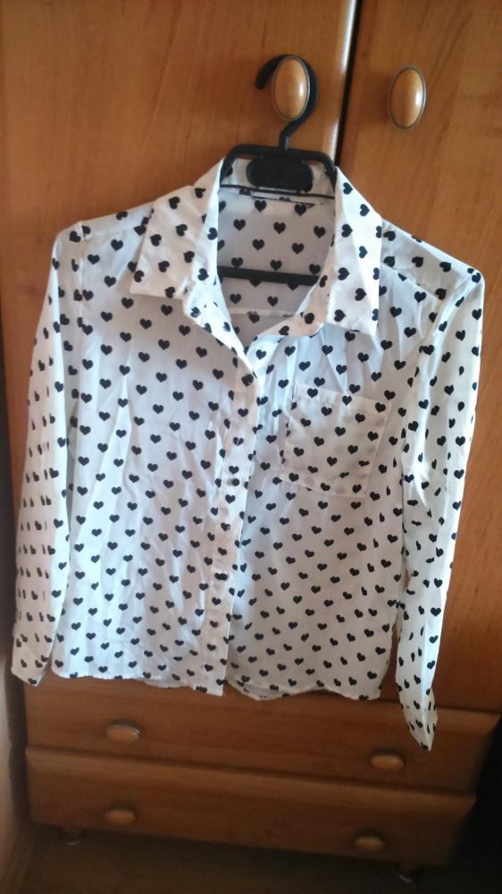 Prześliczna biała koszula w serduszka SheInside