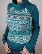 Świąteczny ciepły sweter zimowy w norweskie wzory ze srebrną nitką