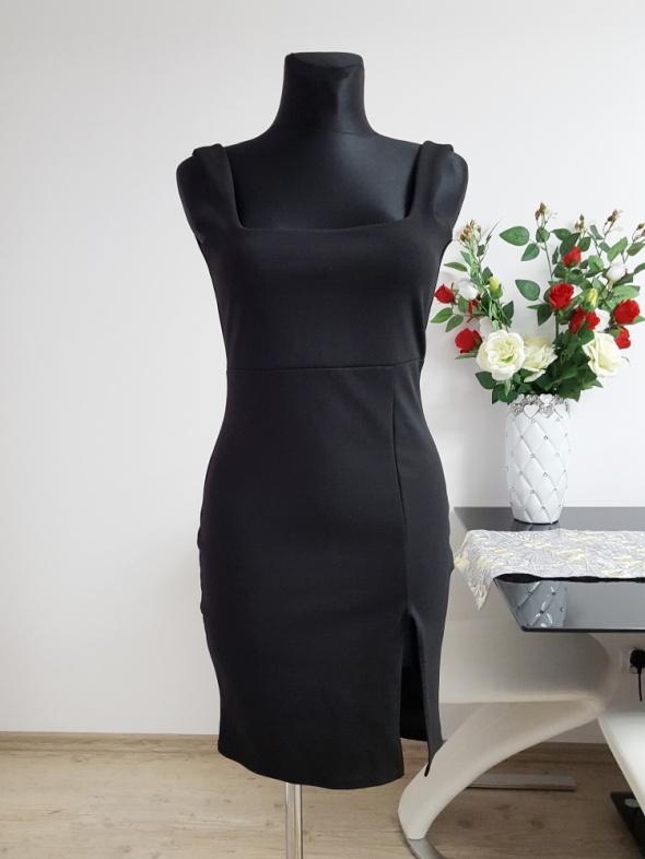 czarna sukienka z rozporkiem Missguided