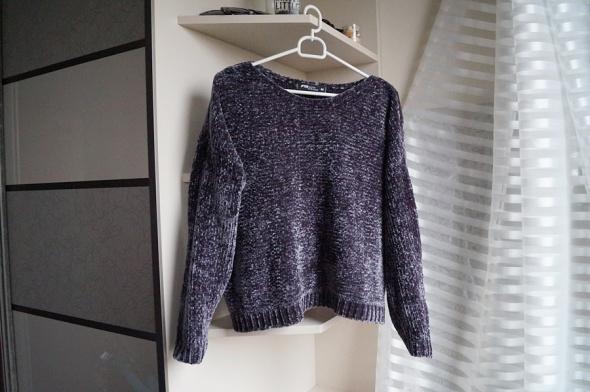 Szary welurowy sweterek M