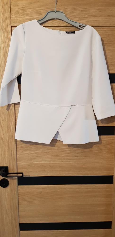 Biała wizytowa elegancka bluzka zapinana ma expres...