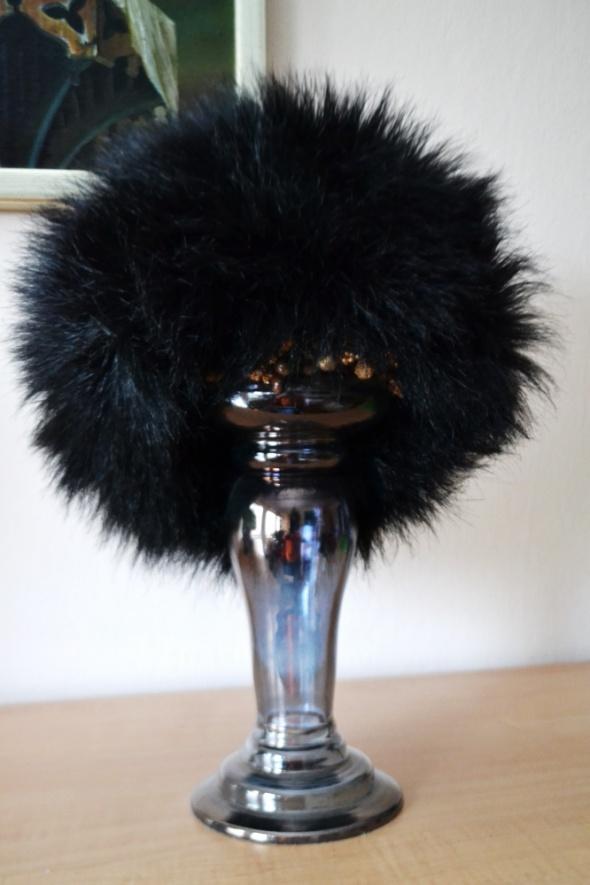 Czapka czarna futrzana wyjątkowa