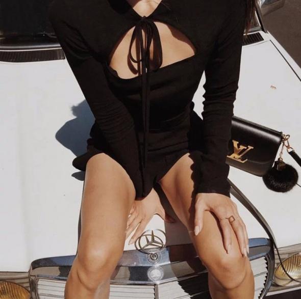 Sukienka goth sznurowana wycięcie