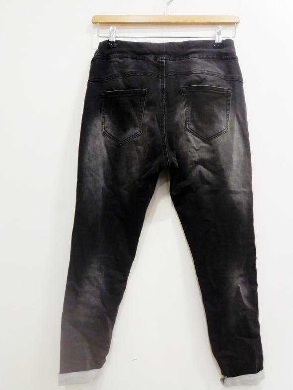 grafitowe spodnie 36 dzinsy