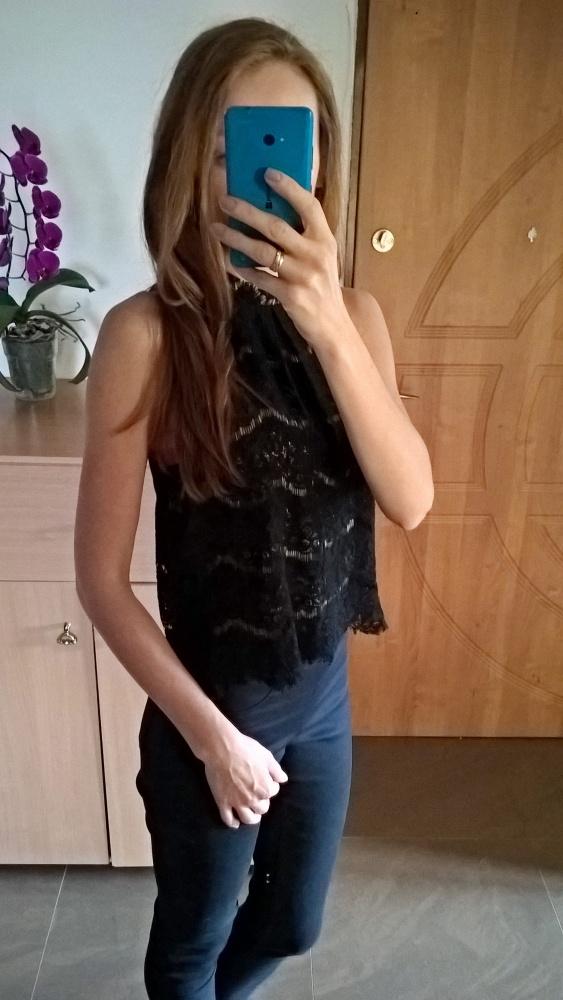 Czarna elegancka koronkowa bluzka