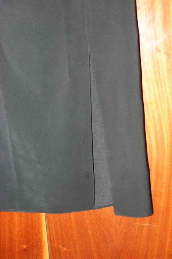 Czarna długa spódnica