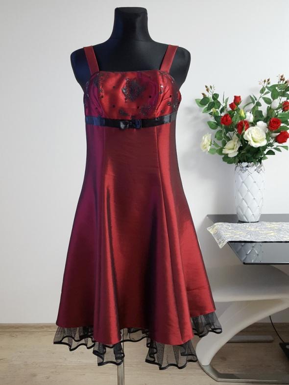 bordowo czarna sukienka sznurowana z tyłu Dreise