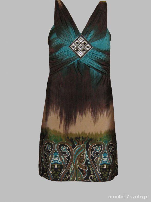 Zwiewna sukienka wzory roz uniwersalny