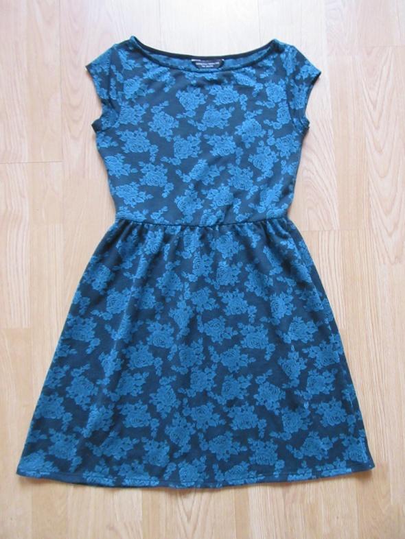 Sukienka w róże Dorothy Perkins roz 36 38