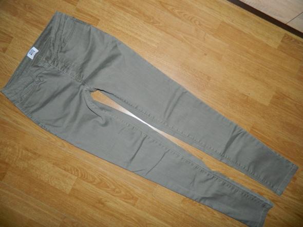 Veo Moda spodnie rurki roz 26 32...