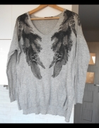 Kappahl szary sweter ze skrzydłami skrzydła pióra...