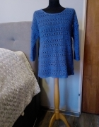 Ażurowa bluzeczka w niebieskim kolorze