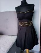 Czarna sukienka idealna na sylwestra...