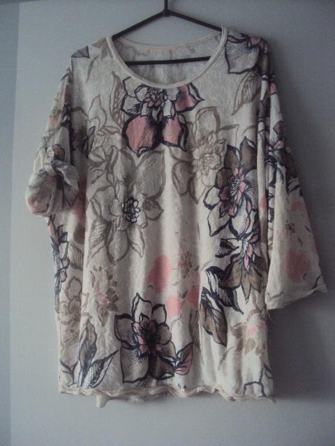 włoska bluzeczka w kwiaty...
