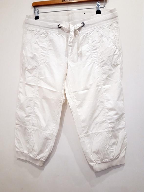 białe spodnie rybaczki 44