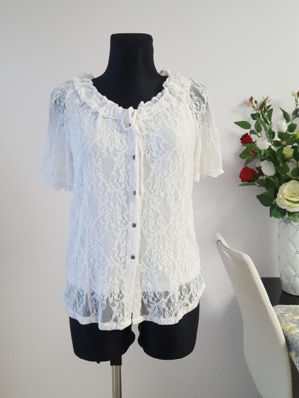 biała koronkowa bluzka Laura T...