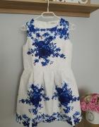 Sukienka biała w kwiaty rozkloszowana S M