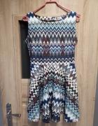Sukienka rozkloszowana w azteckie wzory S...