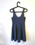 Granatowa sukienka w groszki...