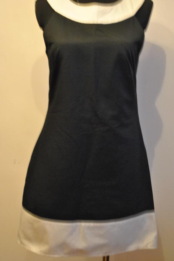 Czarne sukienka Promod...
