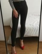 Czarne spodnie Bershka basics 32 hight waist...