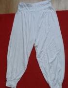 Białe szerokie spodnie M do L...