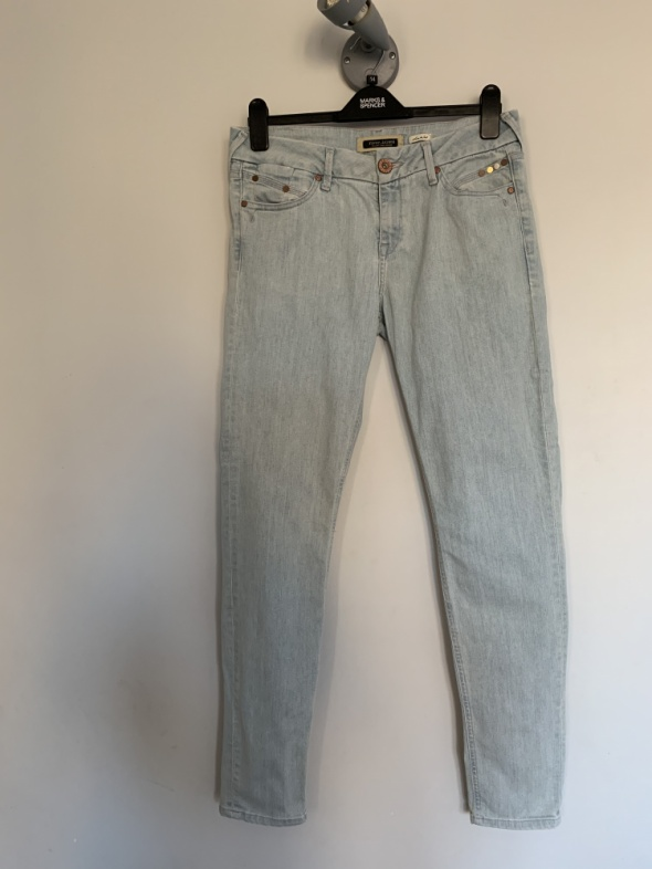 jasne jeansy na lato River Island 14 40