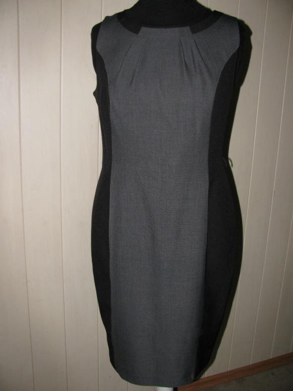 Suknie i sukienki F&F SZARO CZARNA SUKIENKA WYSZCZUPLAJĄCY PANEL 42 44