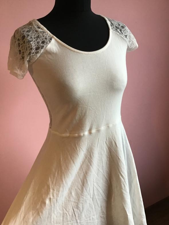 Nowa sukienka M 38 Terranova koronkowa