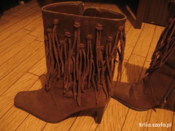 Indian Summer buty z frędzlami...