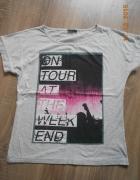 szara koszulka z nadrukiem rozm 42